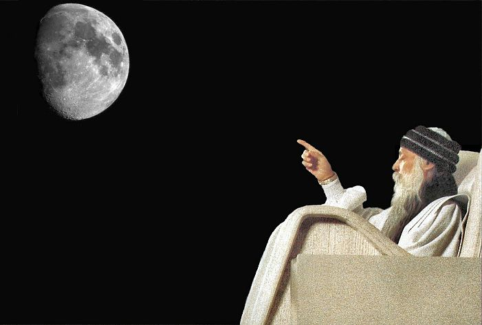 osho pointing to the moon